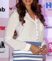 bipasha-basu-and-milind-soman-support-pinkathons-second-edition-event-1