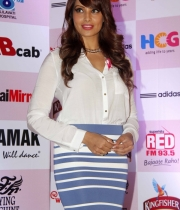 bipasha-basu-and-milind-soman-support-pinkathons-second-edition-event-12