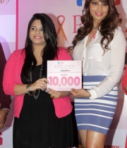 bipasha-basu-and-milind-soman-support-pinkathons-second-edition-event-15