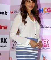 bipasha-basu-and-milind-soman-support-pinkathons-second-edition-event-16