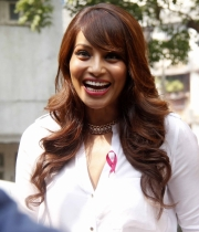 bipasha-basu-and-milind-soman-support-pinkathons-second-edition-event-20