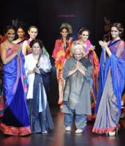 designers-monapali-at-the-finale-of-day-1-bpbfw-9