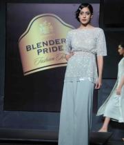 blenders-pride-fashion-tour-mumbai-2013-day-2-event-10