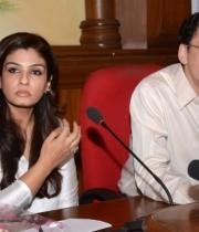 raveena-tandon-at-petas-dog-adoption-campaign-launch-clips-2