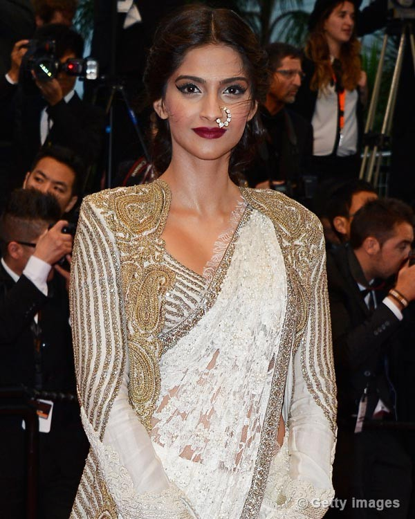 sonam-kapoor-attends-the-opening-ceremony-and-the-great-gatsby-premiere130516113837