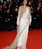 sonam-kapoor-attends-the-opening-ceremony-and-the-great-gatsby-premiere-during-the-66th-annual-cannes-film-festival1130516113839