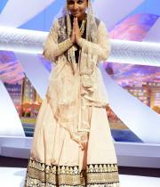 vidya-balan-appears-on-stage-during-the-opening-ceremony-of-the-66th-annual-cannes-film-festival130516113840