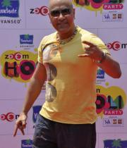 bollywood-celebs-holi-celebrations-06