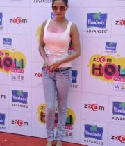 bollywood-celebs-holi-celebrations-14