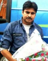 pawan-kalyans-cameraman-ganga-tho-rambabu-onlocation-stills-1