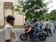 pawan-kalyans-cameraman-ganga-tho-rambabu-onlocation-stills-3