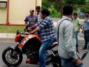 pawan-kalyans-cameraman-ganga-tho-rambabu-onlocation-stills-5
