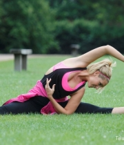 Catherine Tyldesley Works Out Hot Photos In Park - TeluguNow.com_006