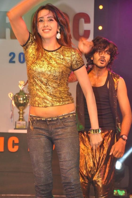heroines-dance-performance-ccc-curtain-raiser-1