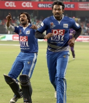 ccl-4-karnataka-bulldozers-vs-bengal-tigers-match-photos-38