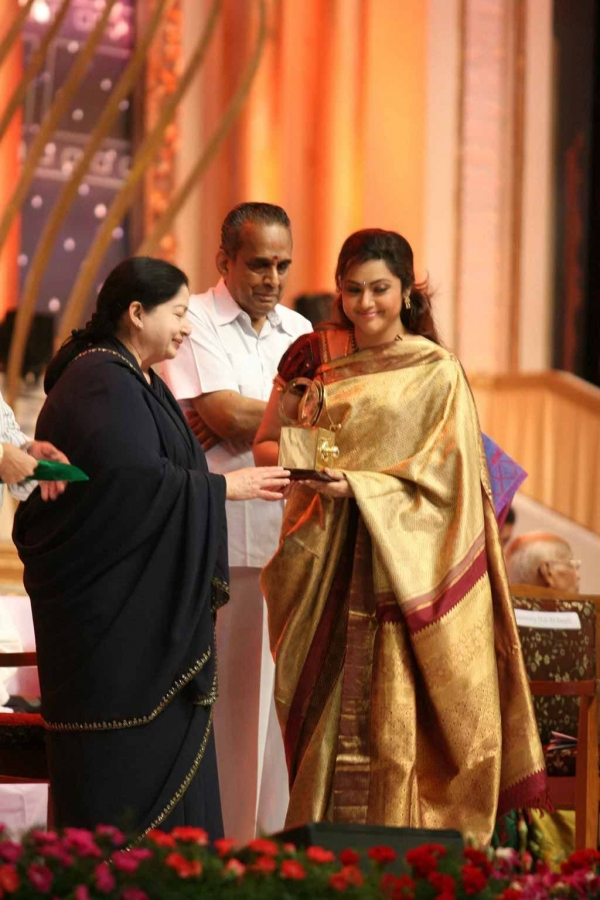 celebrities-at-indian-cinema-100-years-celebrations-06