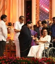 celebrities-at-indian-cinema-100-years-celebrations-45