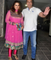 celebs-at-aamir-khan-diwali-celebration_17