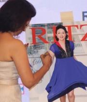 celebs-at-audi-ritz-icon-awards-2013-13