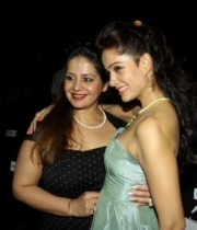 celebs-at-blenders-pride-fashion-tour-photos-_13_