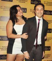 celebs-at-teacher-achievement-awards-photos-02