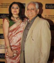 celebs-at-teacher-achievement-awards-photos-08