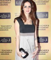 celebs-at-teacher-achievement-awards-photos-14