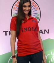 sonam-kapoor-at-the-indian-brand-launch-5