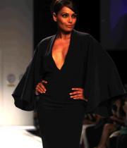 lakme-fashion-week-day-5-01