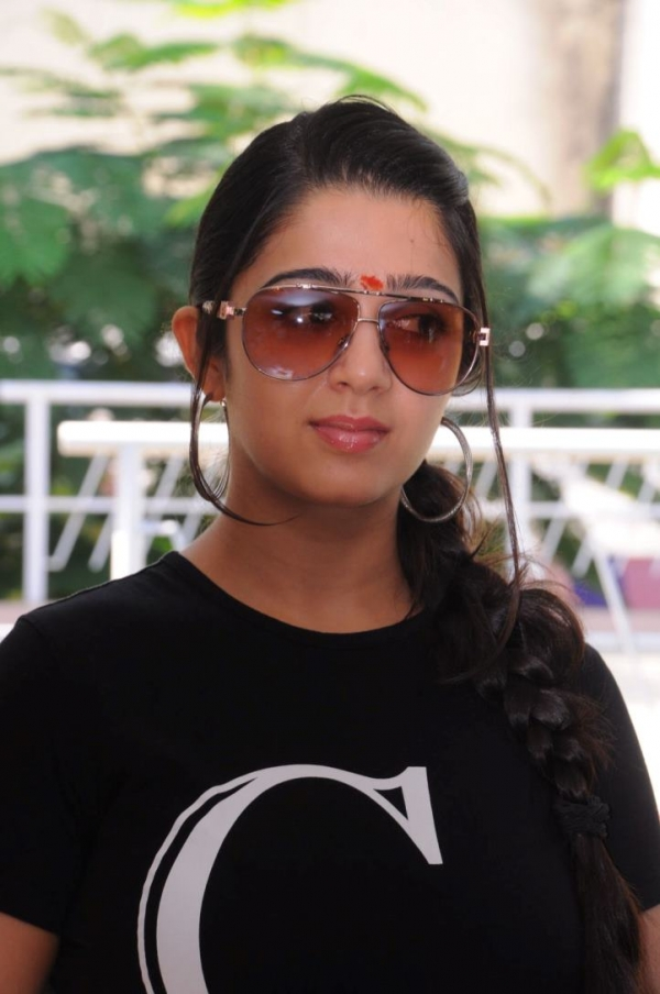 charmee-at-criminals-movie-launch-photos-15