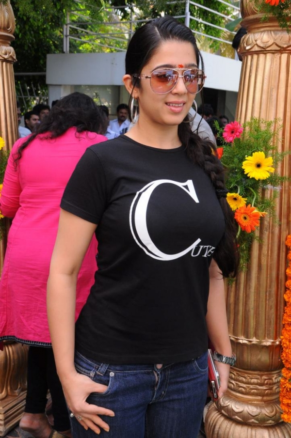 charmee-at-criminals-movie-launch-photos-20