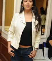 charmi-latest-hot-photos-18