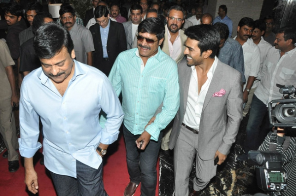 chiranjeevi-ram-charan-stills-at-toofan-trailer-launch-09