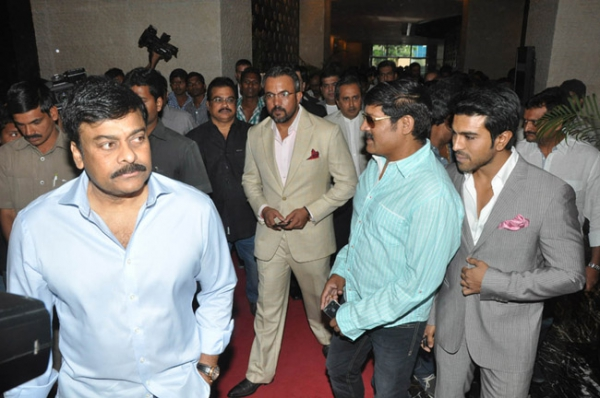 chiranjeevi-ram-charan-stills-at-toofan-trailer-launch-11
