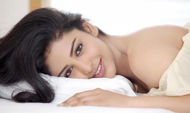 daksha-nagarkar-latest-photo-shoot_1