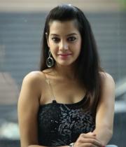 deeksha-panth-hot-stills-in-black-dress-15