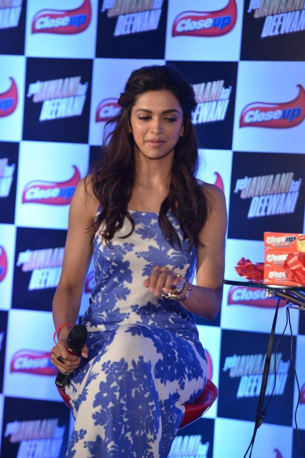 deepika-padukone-latest-images-15