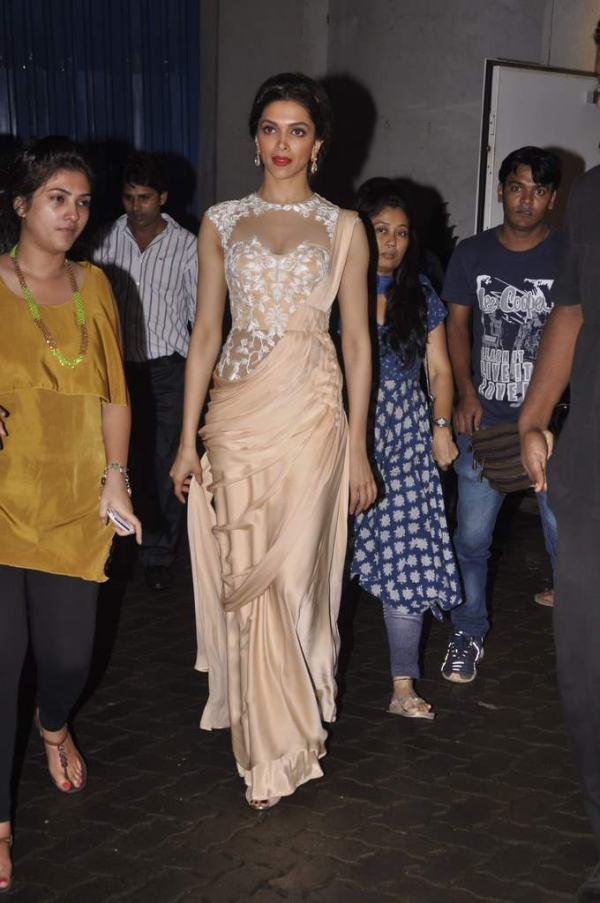 deepika-padukone-latest-images-16