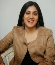 dhanya-balakrishna-latest-photo-stills-10