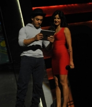 aamir-and-katrina-launch-dhoom-3-merchandise_11