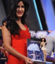 aamir-and-katrina-launch-dhoom-3-merchandise_16