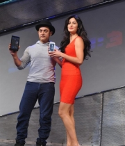 aamir-and-katrina-launch-dhoom-3-merchandise_2