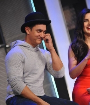 aamir-and-katrina-launch-dhoom-3-merchandise_21