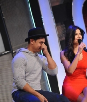 aamir-and-katrina-launch-dhoom-3-merchandise_22