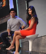 aamir-and-katrina-launch-dhoom-3-merchandise_25