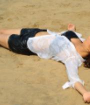 dhruthi-hot-beach-photos-5