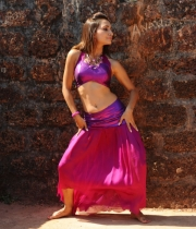 druthi-hot-navel-pics-6