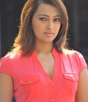 ester_noronha_latest_stills-27