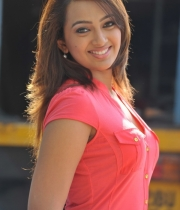 ester_noronha_latest_stills-3
