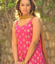 ester_noronha_latest_stills-4
